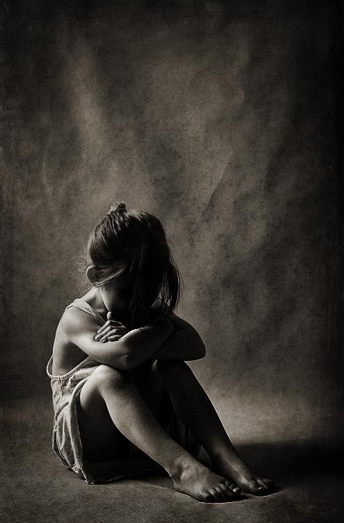 фотография обиженной девочки