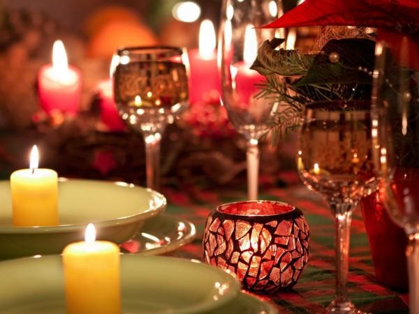 Вечер, свечи, бокалы